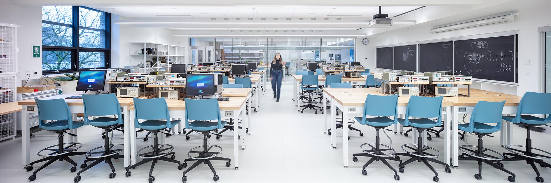 Empty Hebb laboratory